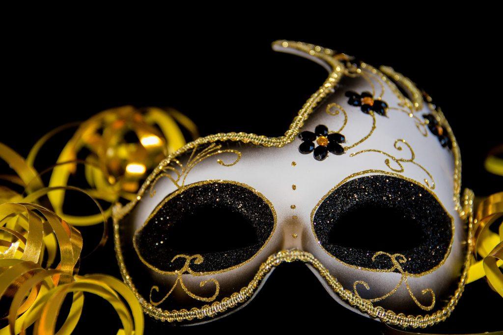 masquerade mask decorating