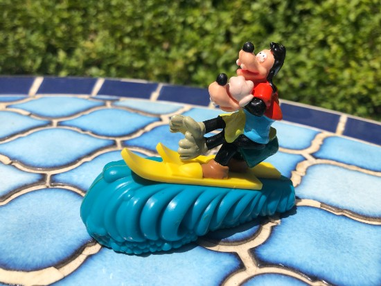 goofy and max on water skis